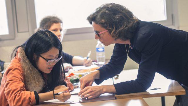 Des enseignants à l'écoute - Faculté des Lettres et des Sciences Humaines